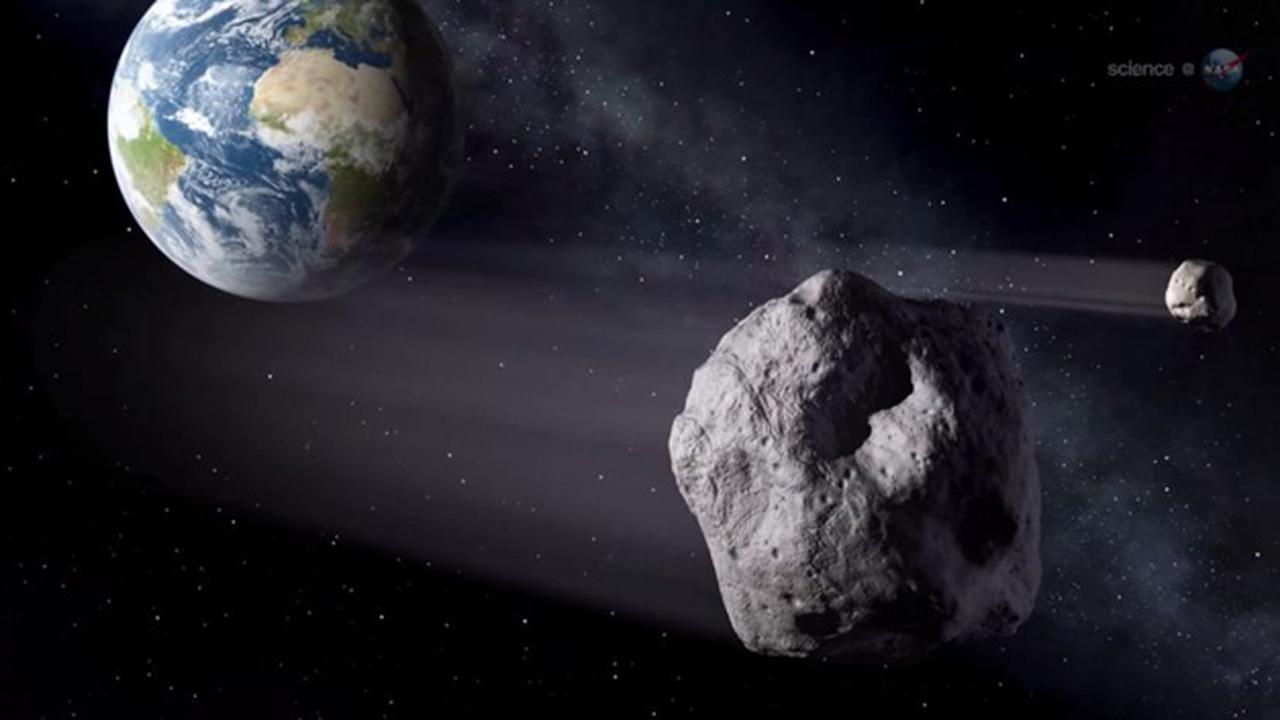 К Земле летит гигантский астероид. Видео