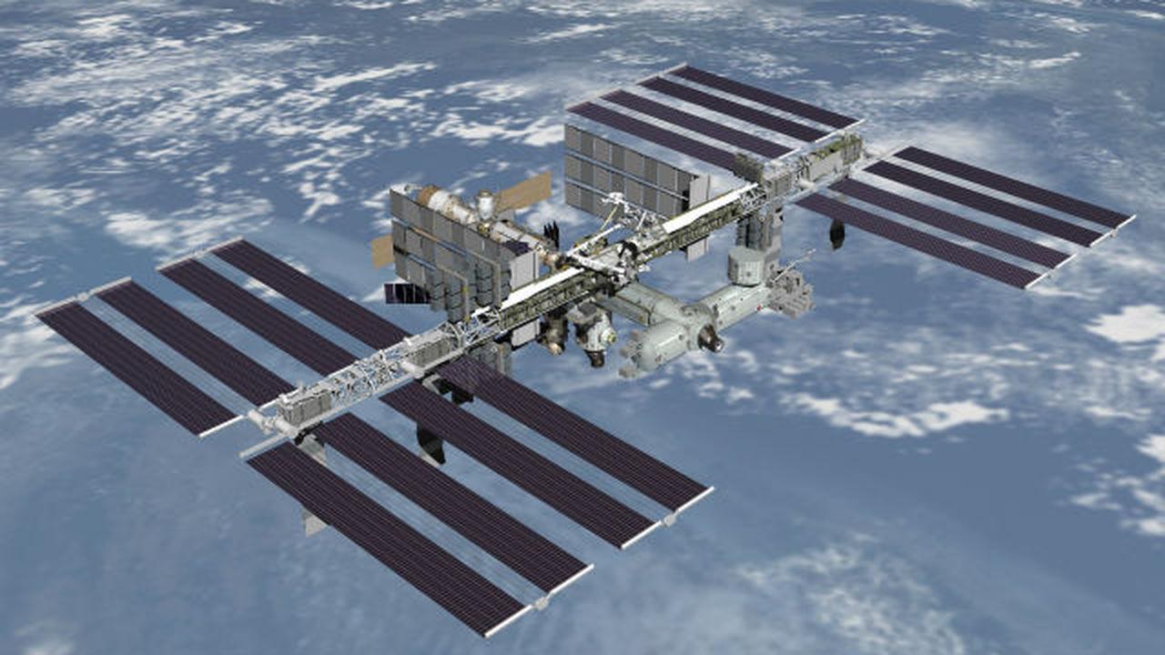 Американские астронавты заменили вышедшее из строя электротехническое устройство на МКС