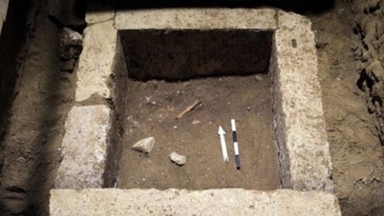 В загадочной греческой гробнице найдены останки пятерых человек