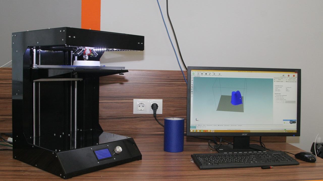 Уральские ученые создали первый российский 3D-принтер