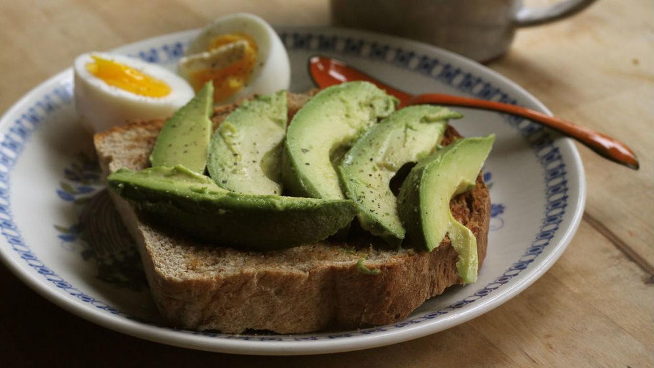 Кратковременное воздержание от пищи замедляет работу нервной системы