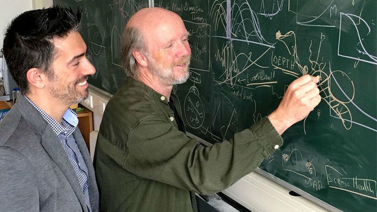 Предложена новая система распределения грантов: учёные будут сами решать, кому нужнее