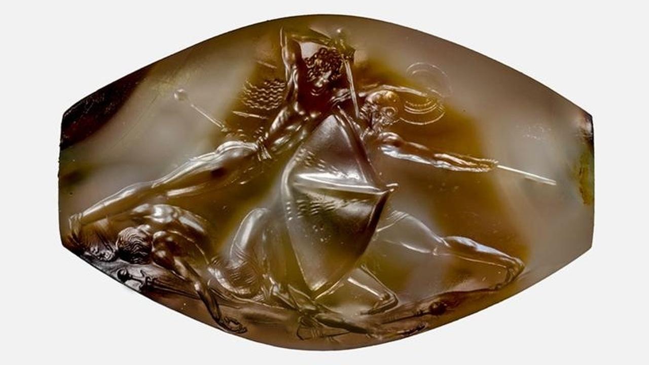 """""""Илиада"""" в камне: новые находки из могилы древнегреческого воина"""