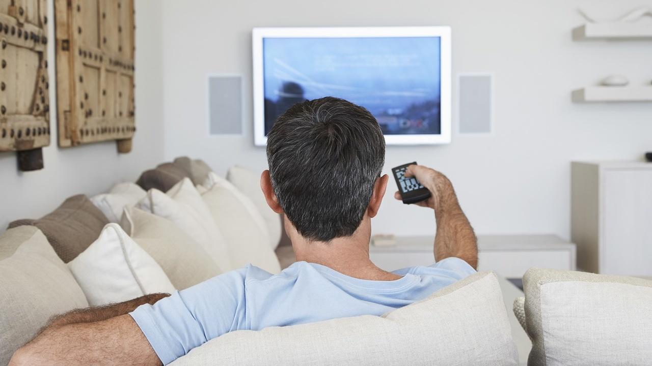 Просмотр телевизора повышает риск возникновения смертельно опасных тромбов