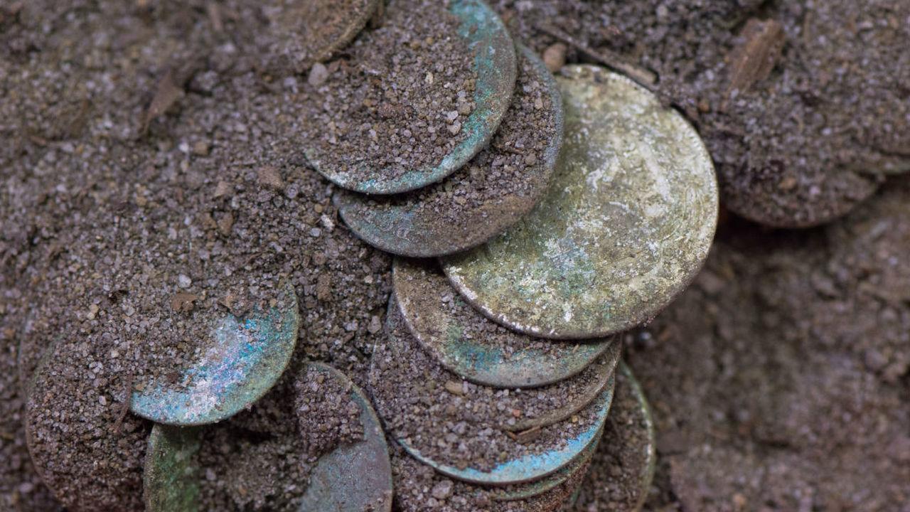 Немецкий школьник нашёл тысячелетний клад с сотнями серебряных монет