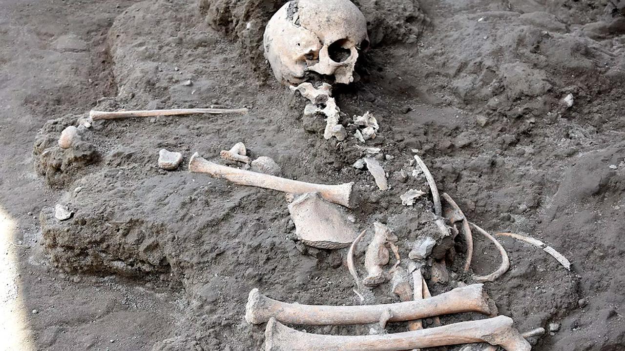 В Помпеях впервые за 20 лет нашли останки ребенка