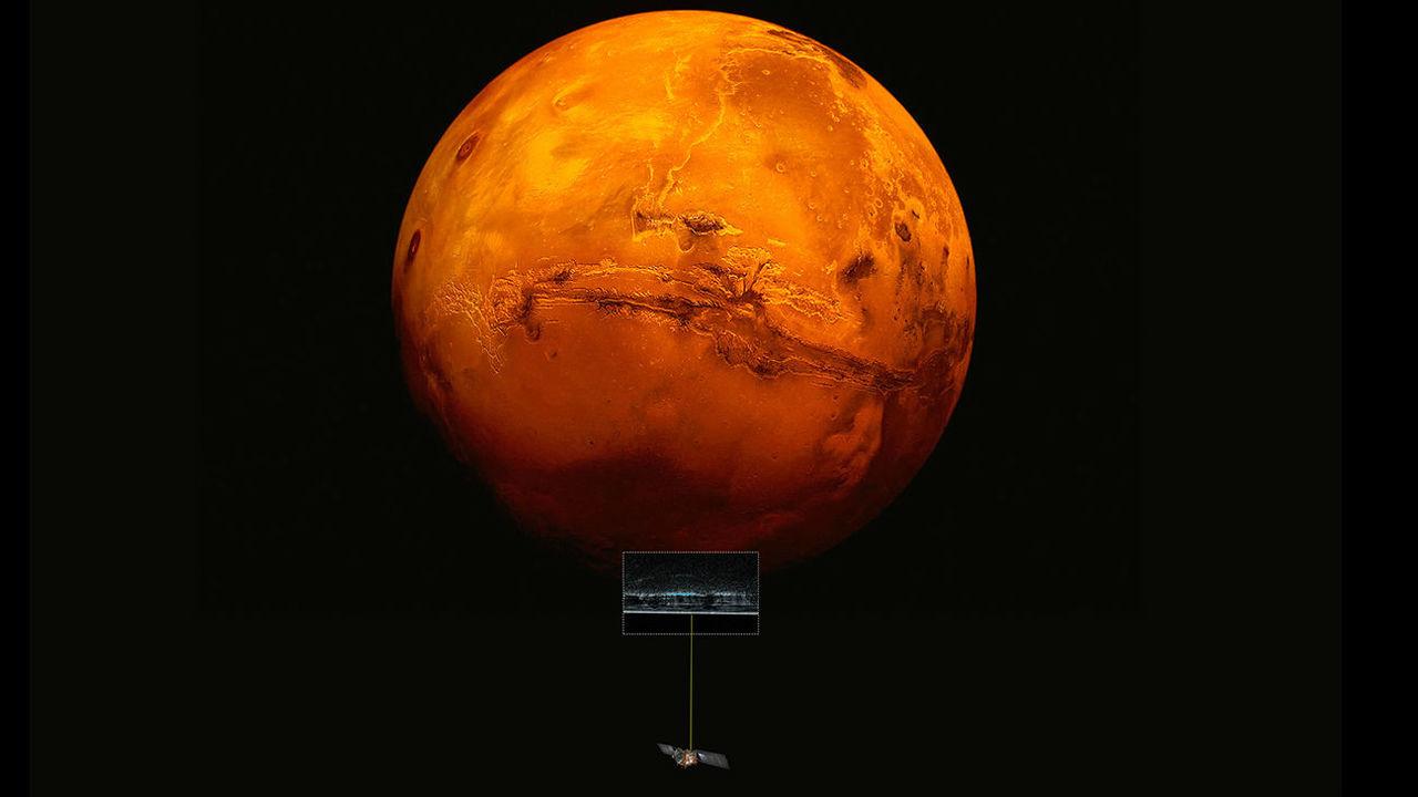 На Марсе есть вода! Астрономы обнаружили огромное озеро