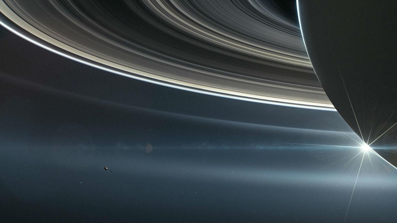 """Астрономы опубликовали открытия, сделанные в предсмертном вояже зонда """"Кассини"""""""