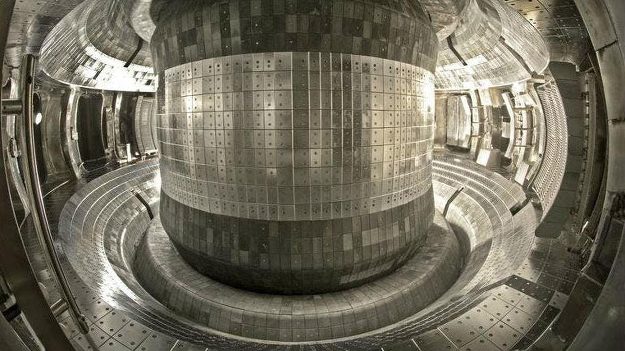 Термоядерный реактор в семь раз обошёл центр Солнца по температуре плазмы