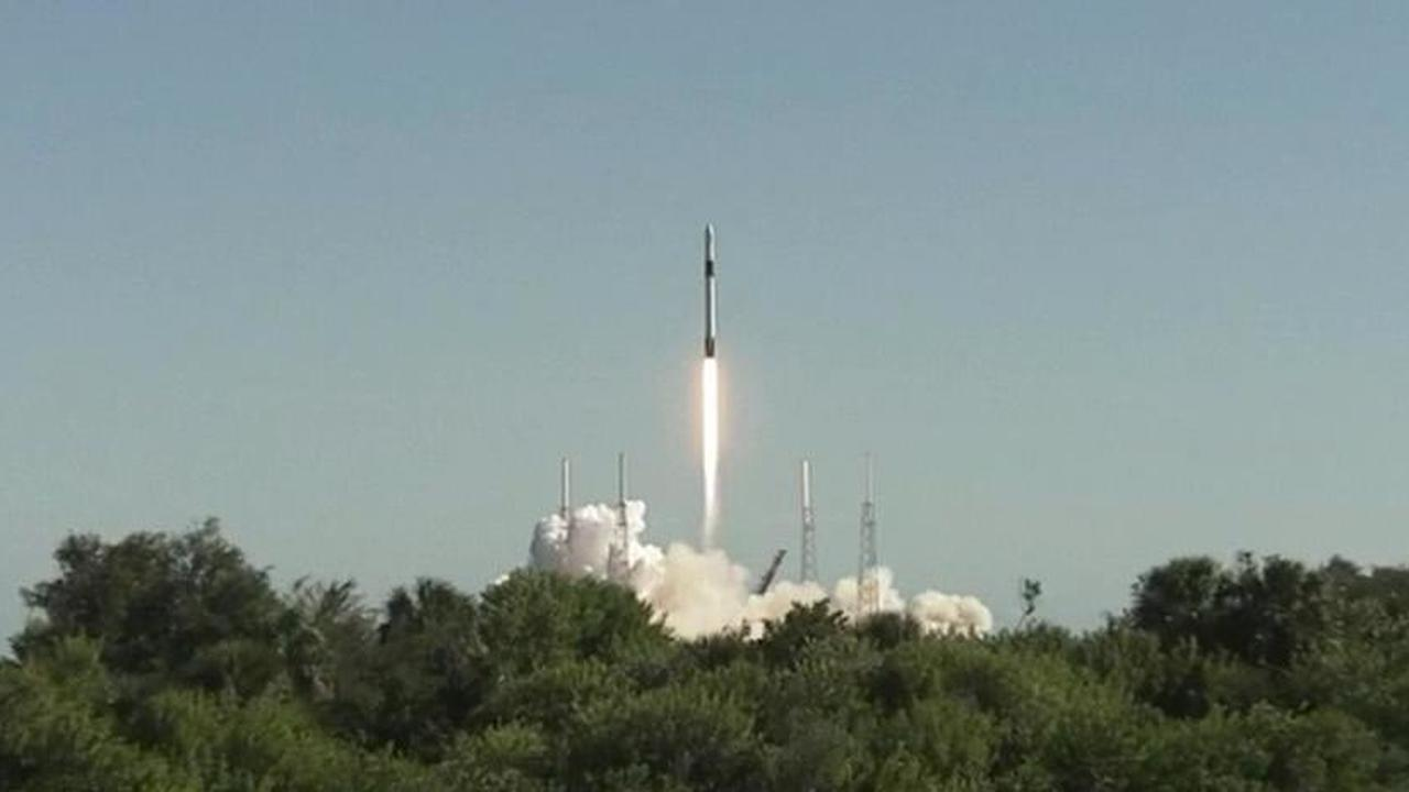 Авария при возвращении первой ступени ракеты Falcon 9. Видео