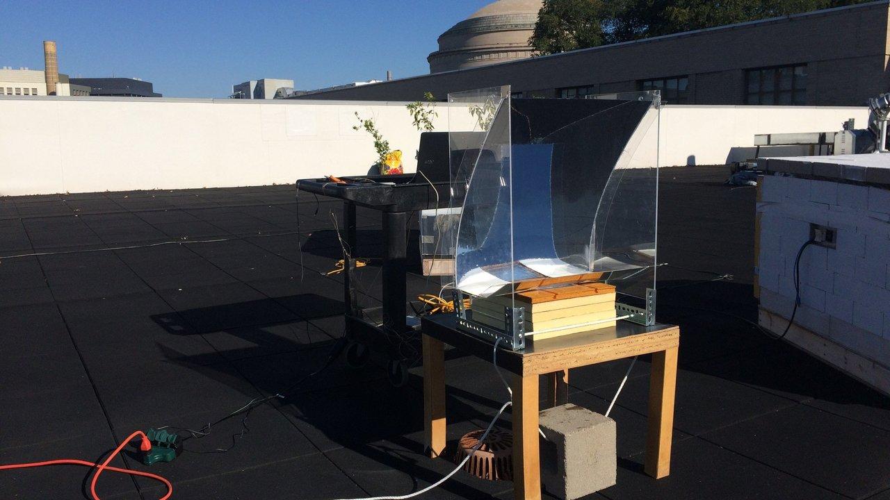 Новое устройство превращает воду в перегретый пар с помощью солнечной энергии