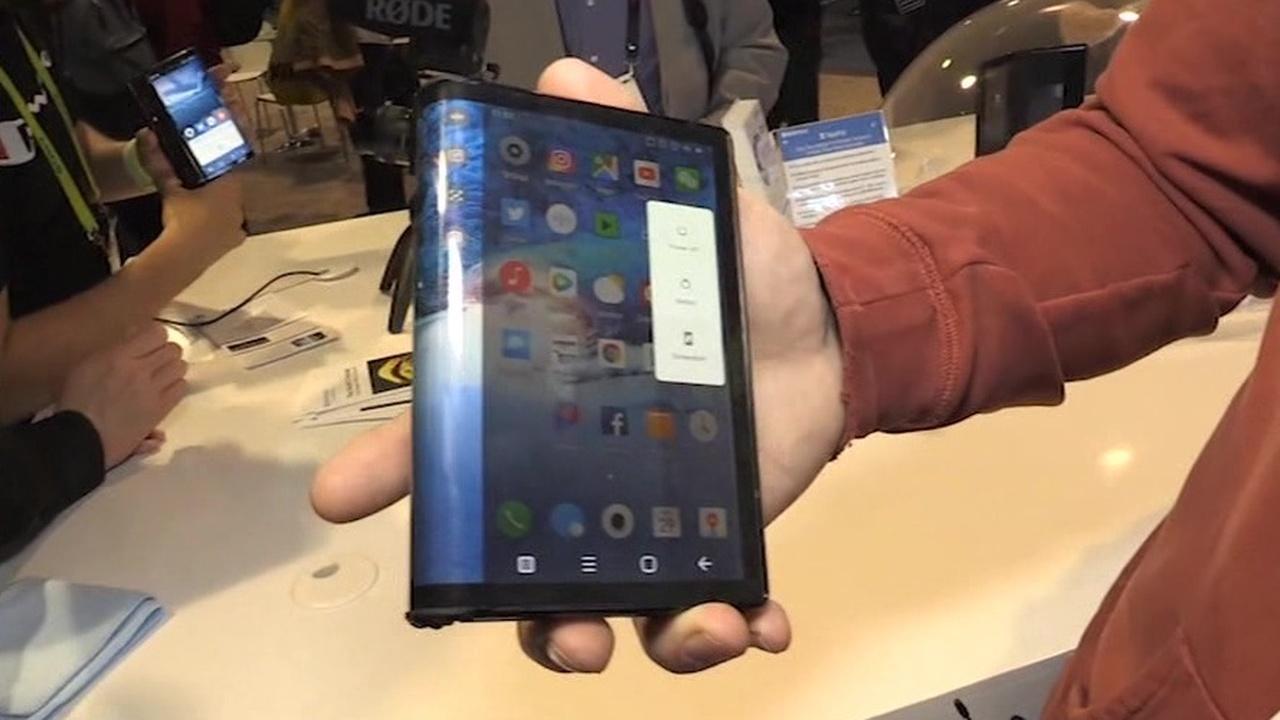 китайцы выпустили сгибаемый смартфон раньше Samsung
