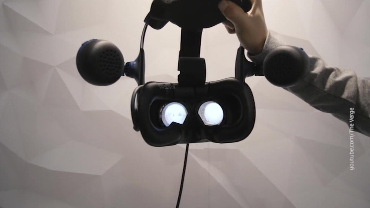 VR-шлем HTC Vive Pro Eye следит за глазами пользователя