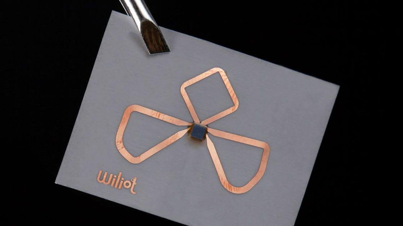 """Первый в мире безбатарейный чип берет энергию """"из воздуха"""""""