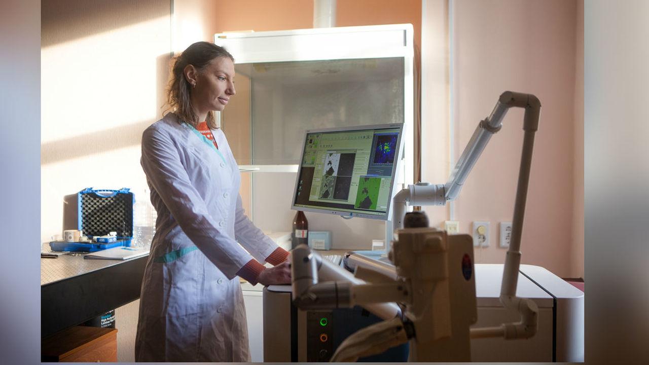 В России создали щадящий метод лечения близорукости ультрафиолетом