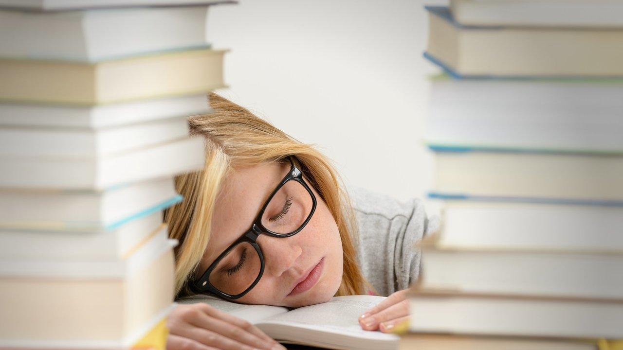 Определены плюсы и минусы дневного сна для здоровья подростков