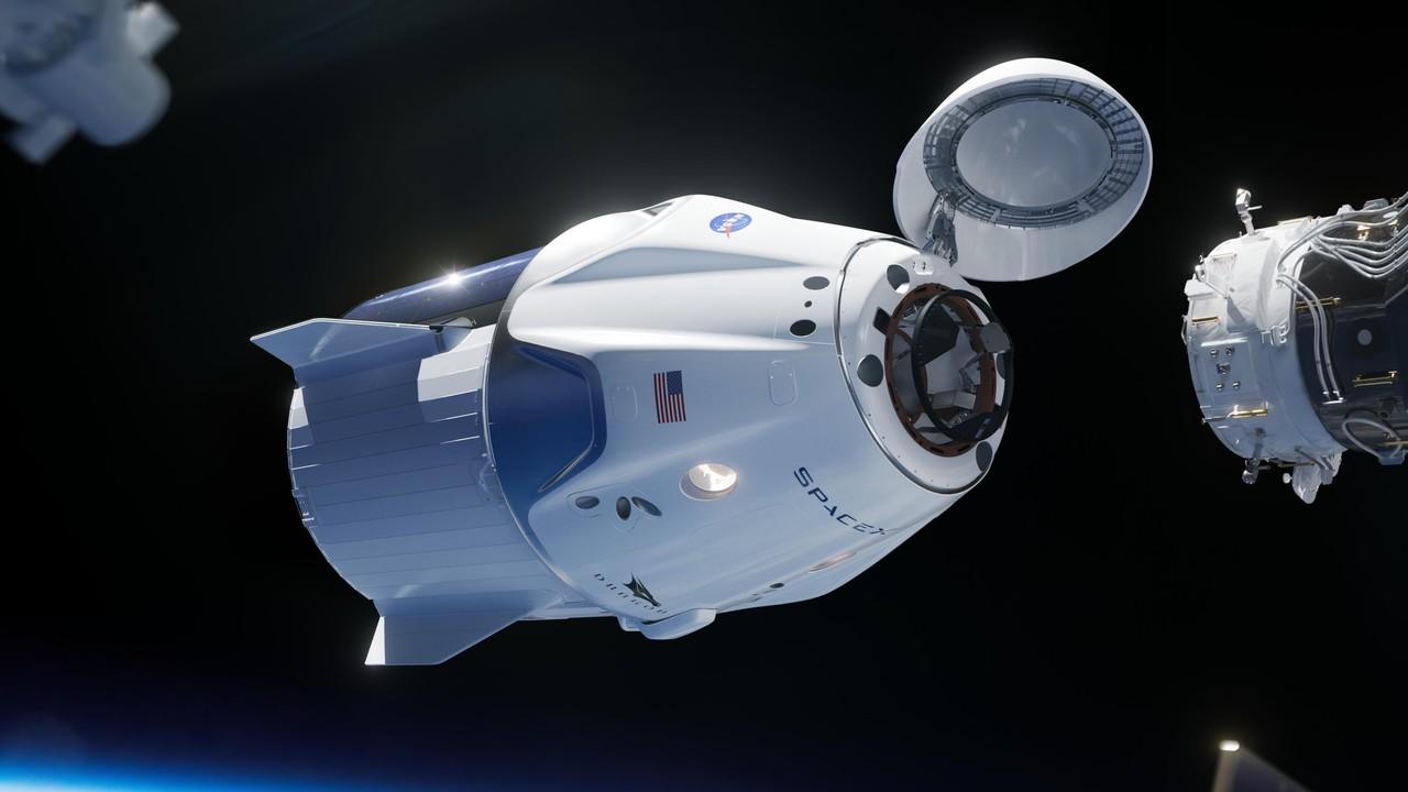 Компания SpaceX готовит к первому старту пассажирский корабль Crew Dragon