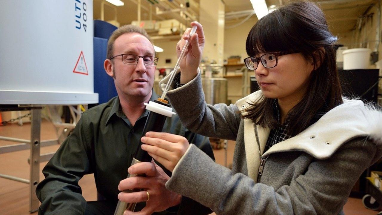 Учёные обнаружили синтетическую макромолекулу, похожую на спираль ДНК