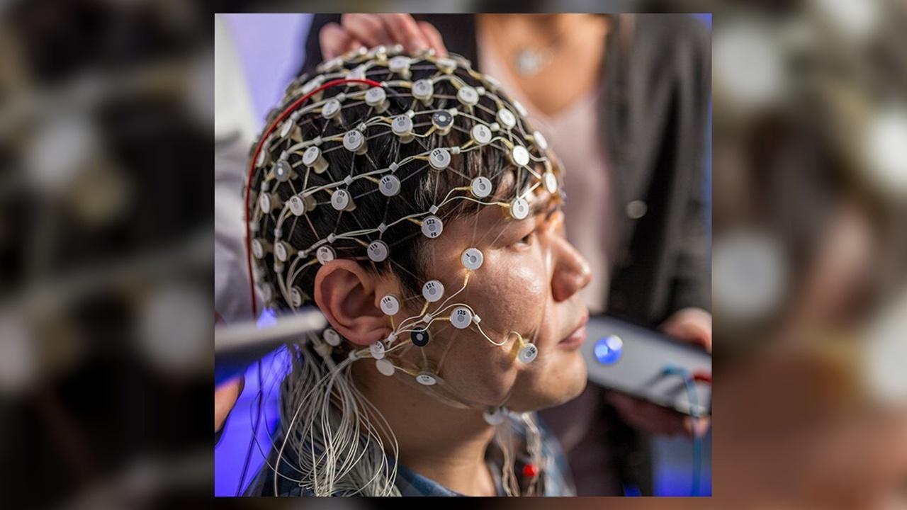 Особый вид электростимуляции мозга впервые применили для лечения депрессии