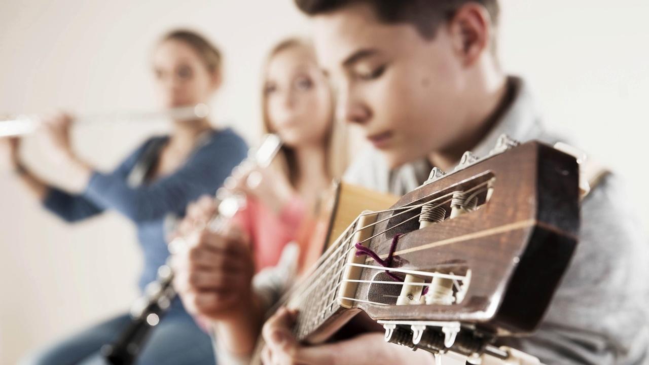 Учёные выяснили, как творчество влияет на успеваемость школьников