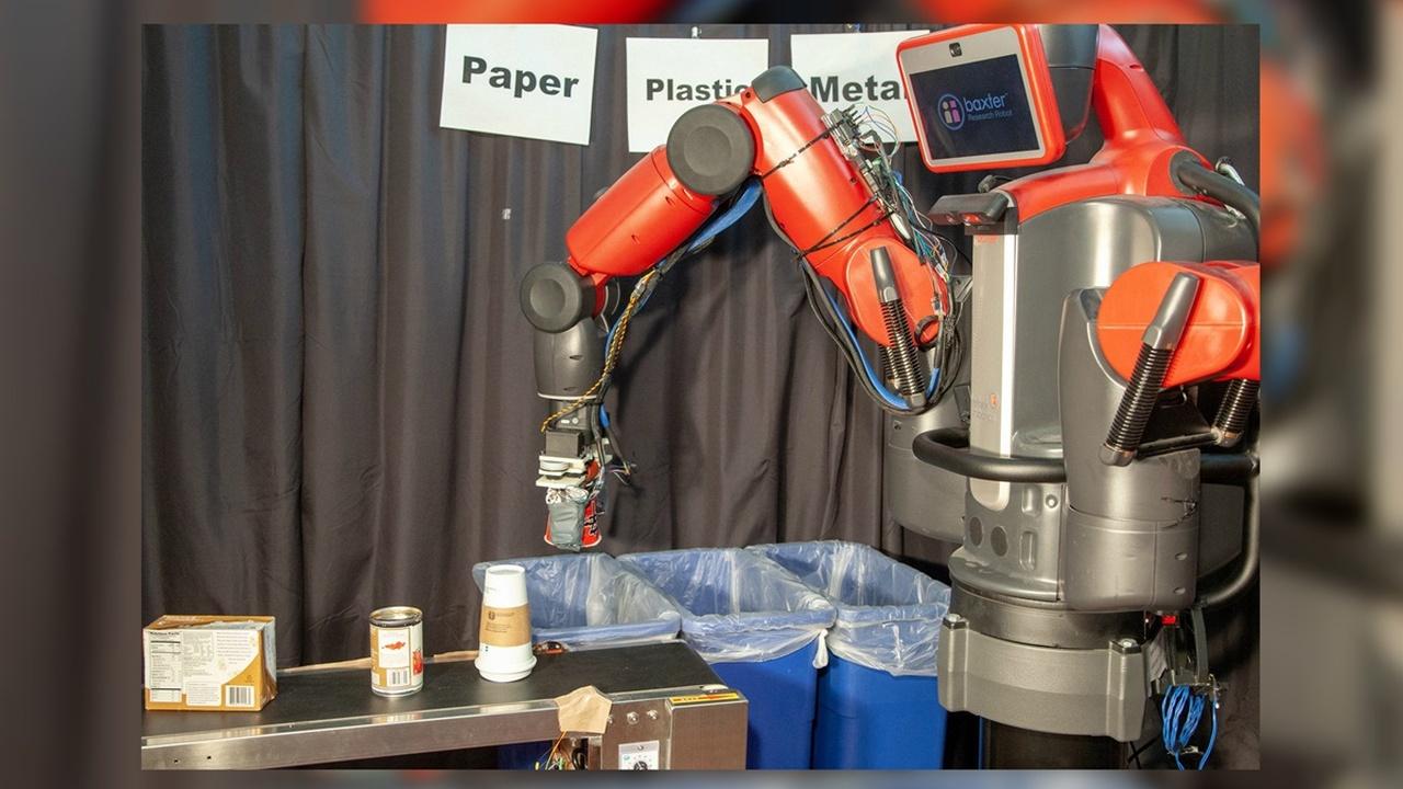 Новый робот-мусорщик определяет тип отходов на ощупь