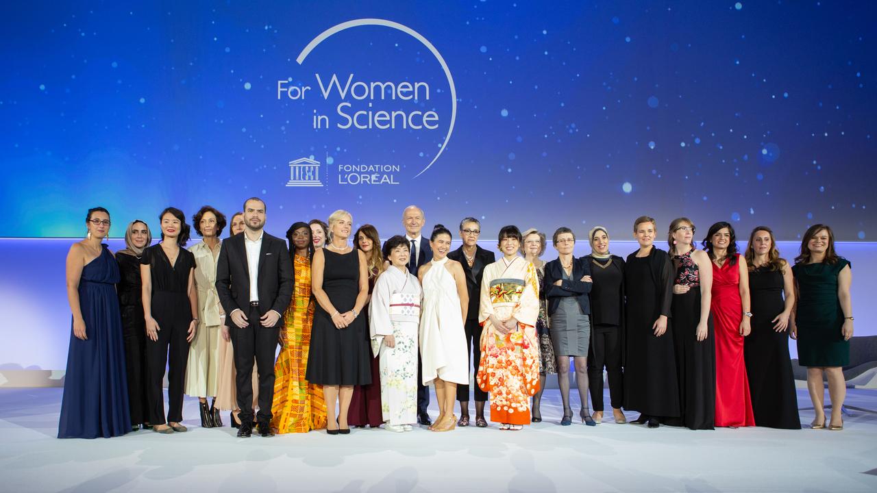 В Париже прошла церемония награждения самых выдающихся женщин-учёных мира