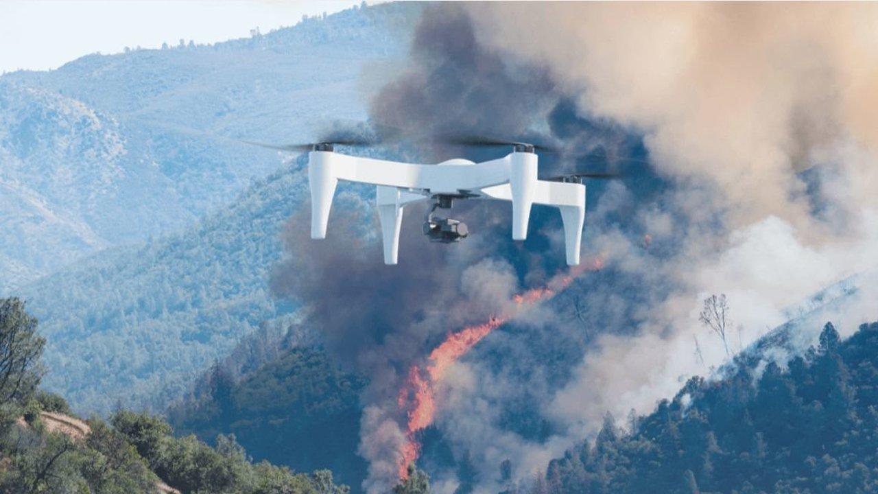 Новый дрон держится в воздухе вчетверо дольше конкурентов