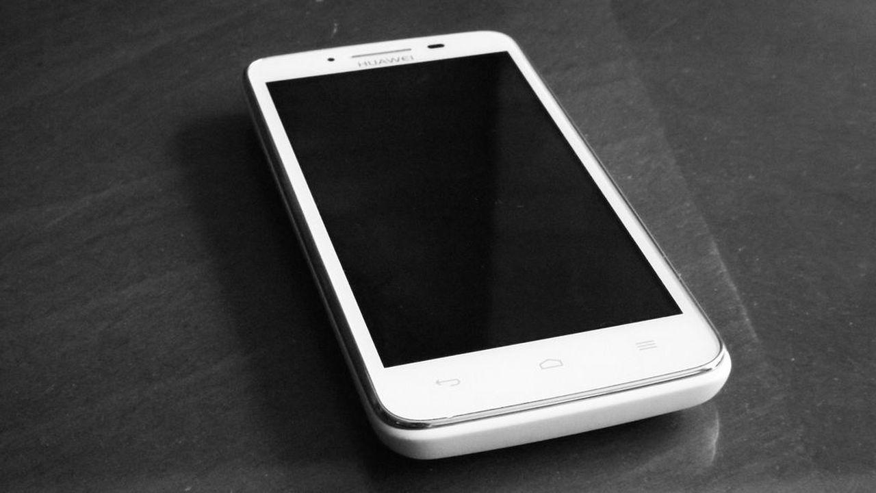 СМИ: Huawei выпустила миллион смартфонов с собственной ОС