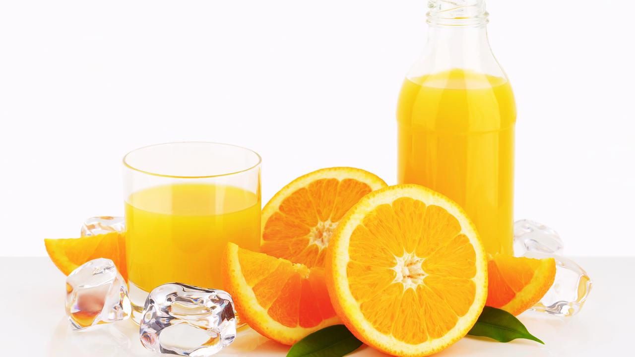 В попытке разобраться: увеличивает ли фруктовый сок риск развития рака?