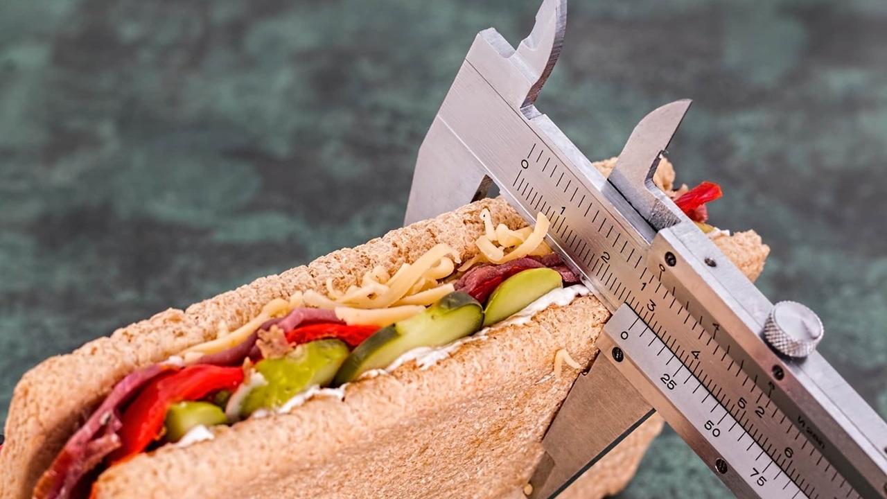 Даже небольшое ограничение потребляемых калорий защитит от рака и проблем с сердцем