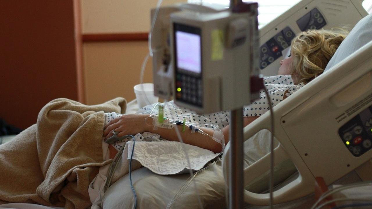 Первый случай в России: вылечившаяся от рака женщина забеременела сама после пересадки ткани яичников