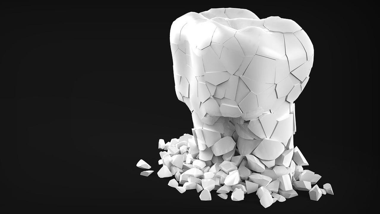 """Открыты стволовые клетки, способные """"залатать"""" зубы без пломб"""