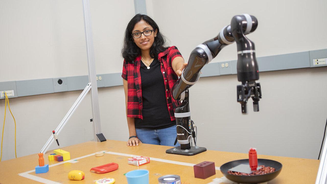 Новый робот делает орудия труда из подручных средств