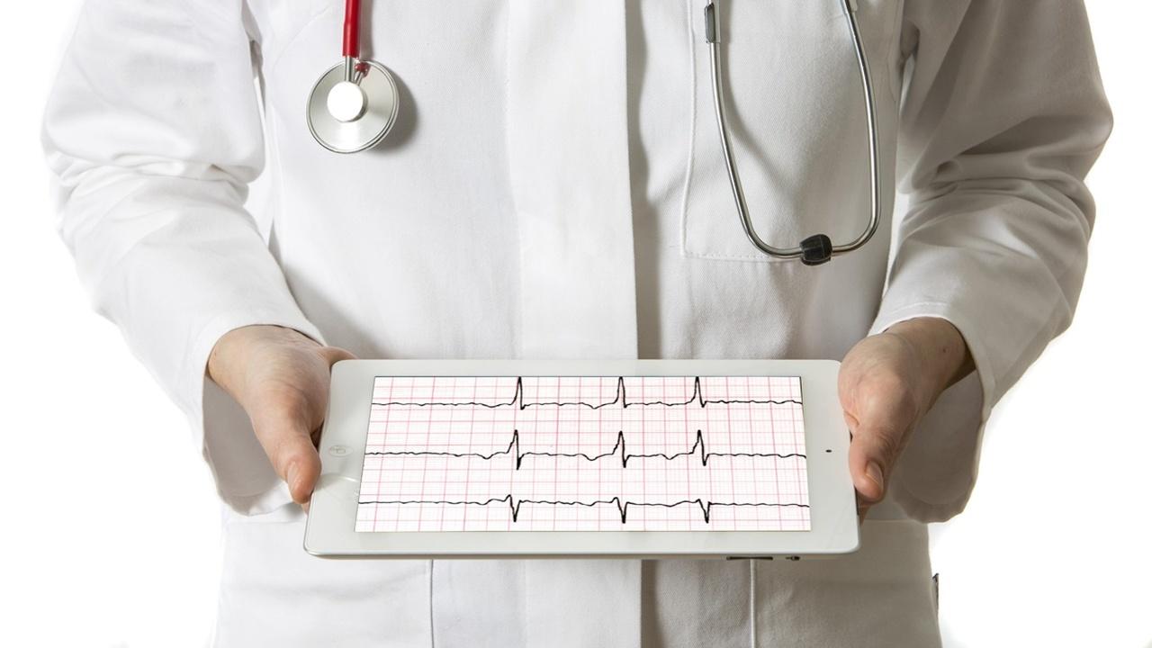 Новая нейросеть выявит опасное заболевание по одному удару сердца