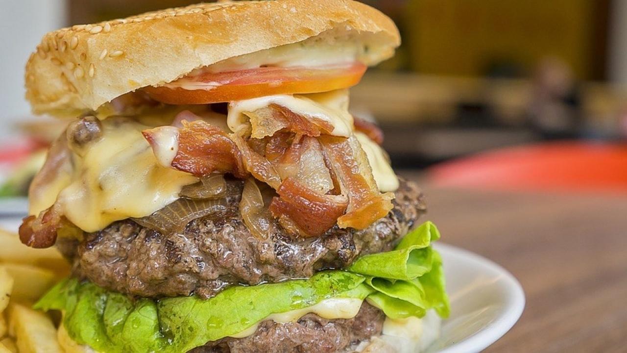 Во всех подробностях: как пища, богатая жирами и углеводами, вредит работе мозга?
