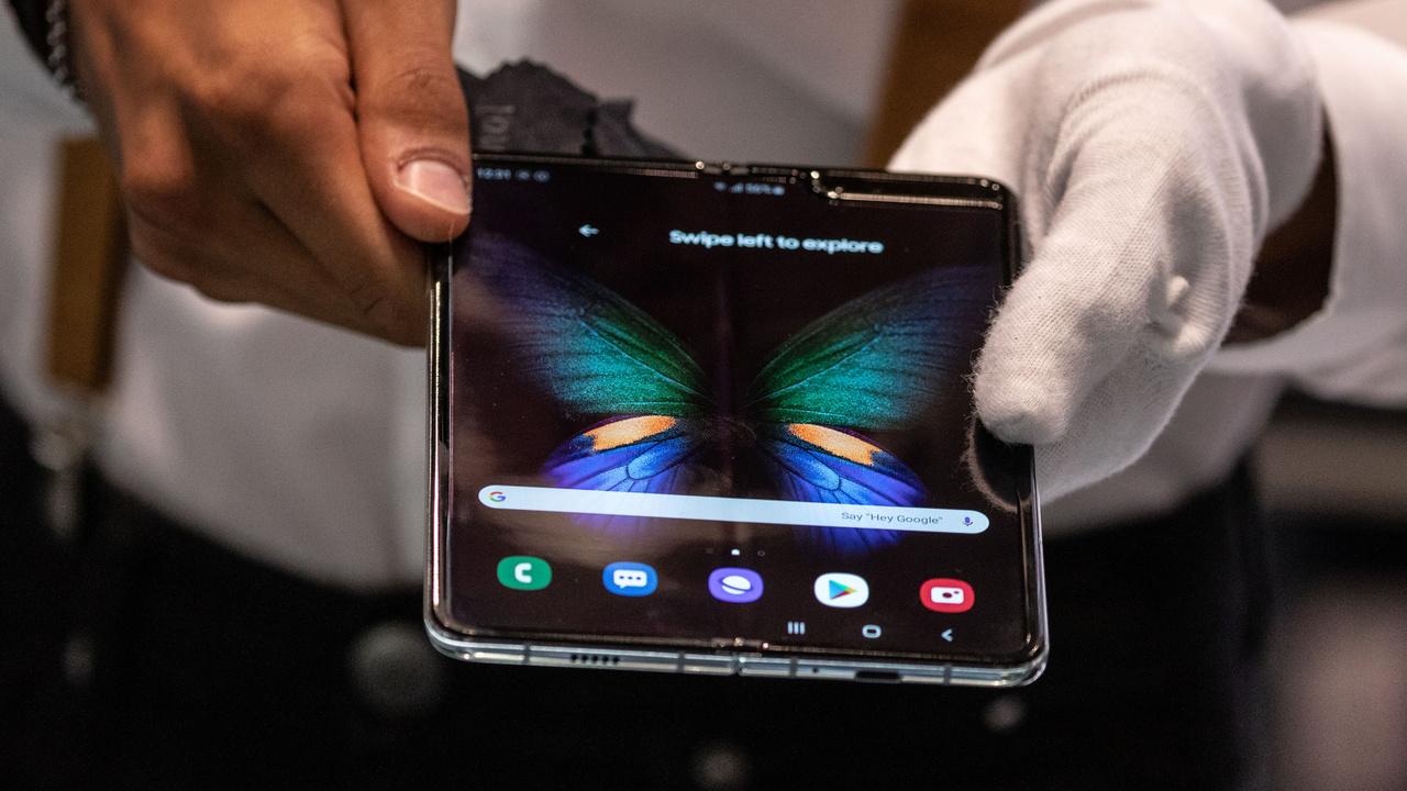 Samsung объявила, что продала миллион сгибаемых смартфонов