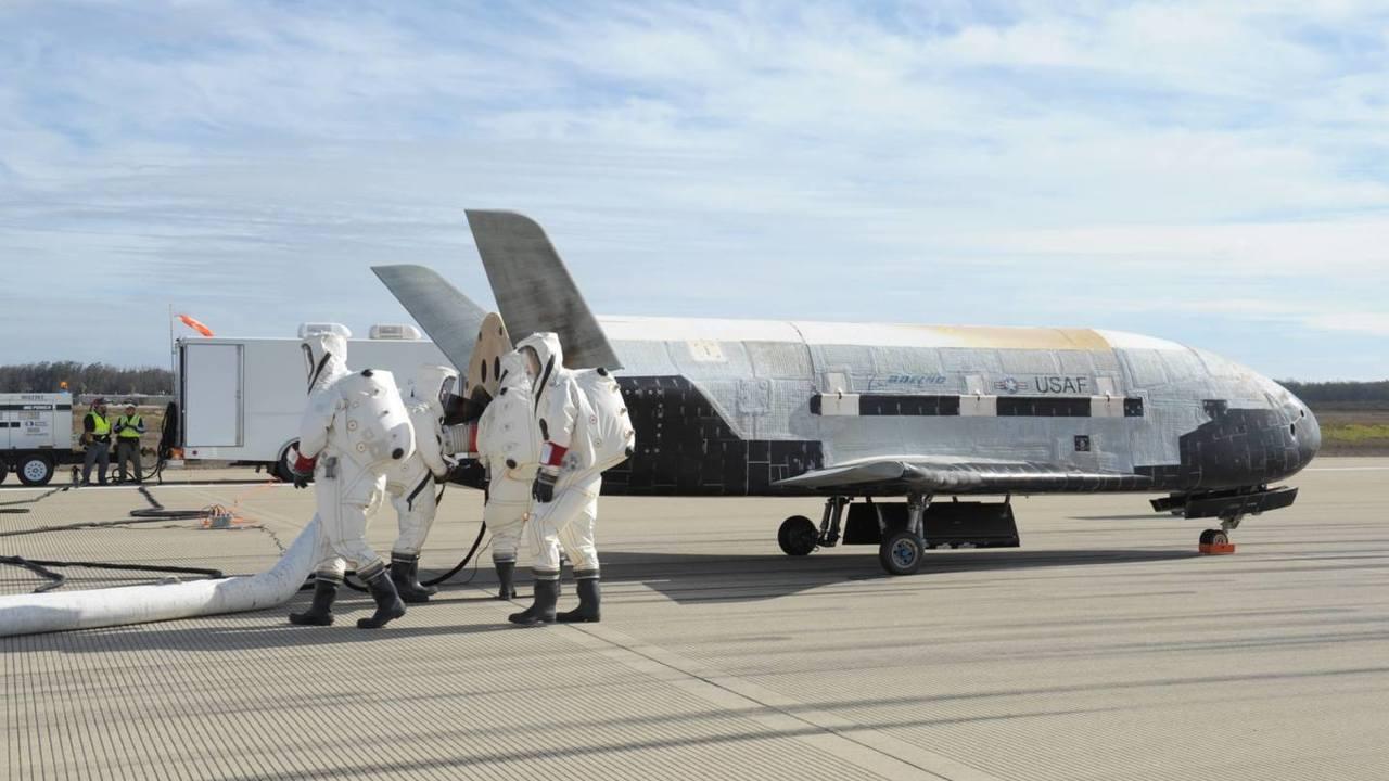 Сверхсекретный космический корабль X-37B побил рекорд пребывания на орбите