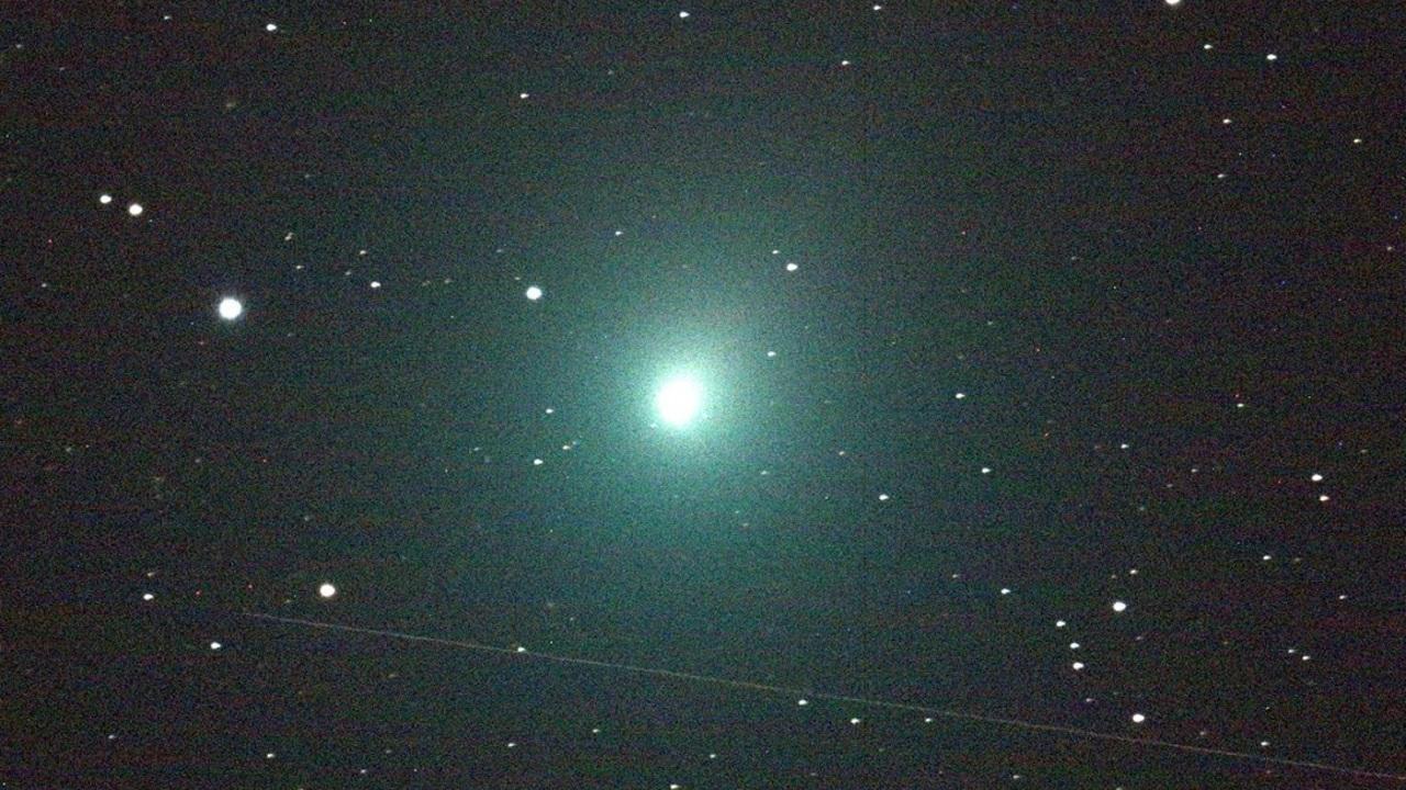 Взрывной выброс вещества с кометы впервые разглядели в деталях