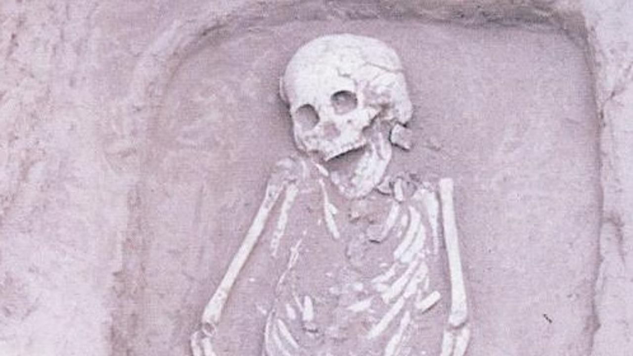 """В Китае найдены древние останки """"редчайшего"""" карлика"""