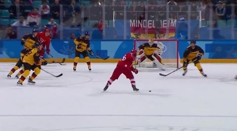 XXIII Зимние Олимпийские игры. Гол Вячеслава Войнова в ворота сборной Германии