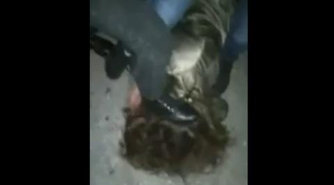 Школьницы сняли на видео жестокое избиение сверстницы в Барнауле