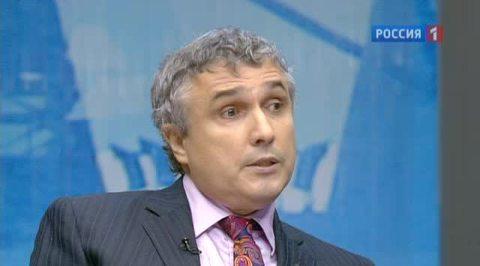 Гендиректор НТВ Владимир Кулистиков отмечает юбилей