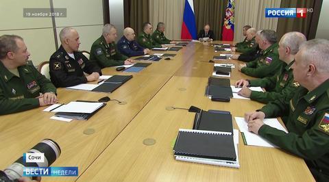 Путин напомнил оружейникам о продукции гражданского назначения
