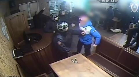 Пьяные подростки напали на бойцов Росгвардии в Кузбассе