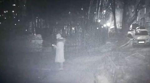 Четыре удара ножом: на западе Москвы неизвестный зарезал женщину