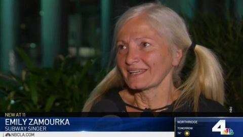 Бездомная россиянка, спевшая в американском метро, заключит выгодный контракт