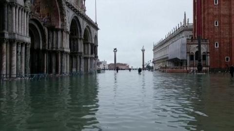 Апокалиптическое разорение: наводнение в Венеции уносит человеческие жизни