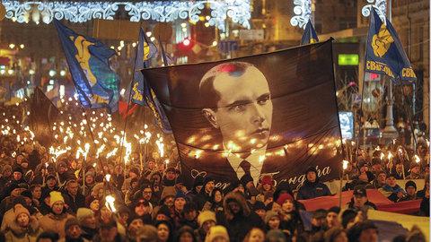 На Украине прошли факельные шествия в честь Бандеры