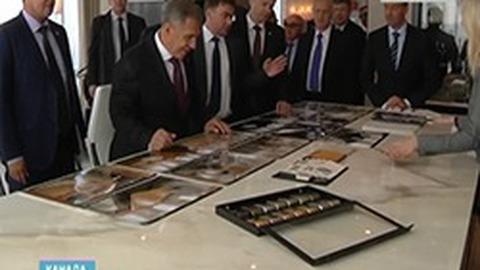 Президент Татарстана посетил в ходе визита в Канаду авиационный завод в Монреале