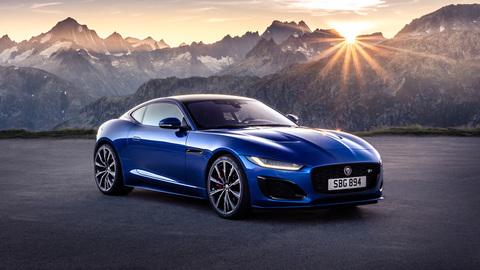 Рычит, как на охоте: тест-драйв обновленного Jaguar F-Type